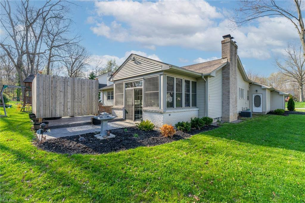 443 Hickory Hollow Drive, Canfield, OH 44406