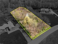 Walnut Grove Circle, Struthers, OH 44471