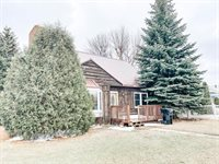 2122 3RD Ave East, Williston, ND 58801