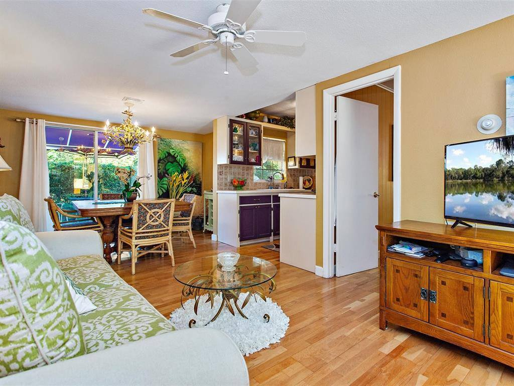 2390 Sheridan Road, Mount Dora, FL 32757