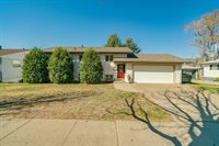 606 N 27th Street, Bismarck, ND 58501