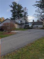 4343 Island Park Drive, Waterford Township, MI 48329