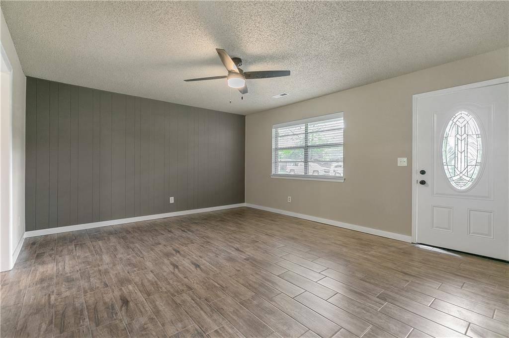 1411 West Bishop Drive, Rogers, AR 72756