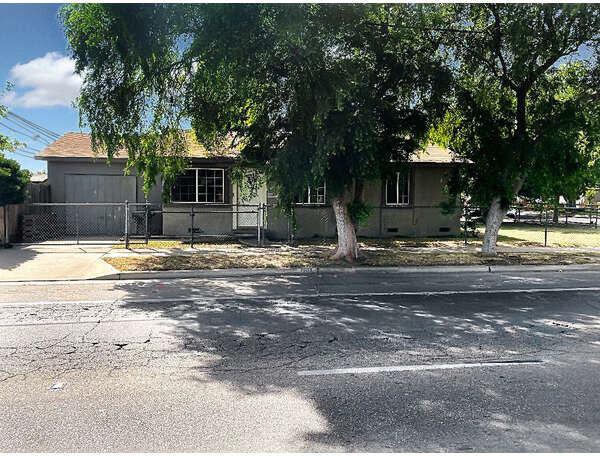 1204 South Chestnut Avenue, Fresno, CA 93702