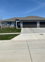6333 Tiger Dr., Sioux City, IA 51106