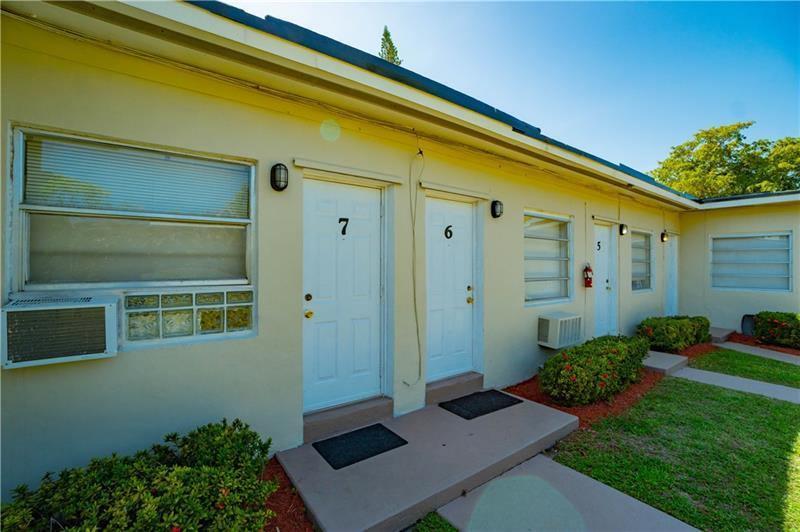 1960 Rodman St, Hollywood, FL 33020