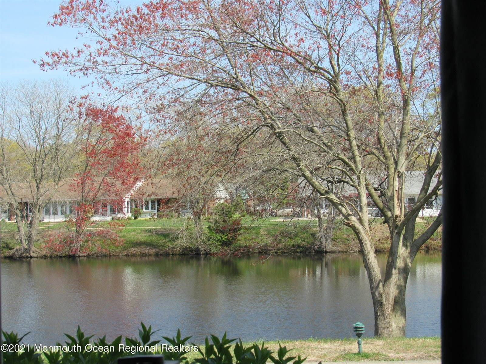 225C Buckingham Court, #1003, Lakewood, NJ 08701