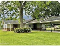 409 Oak St., Iota, LA 70543