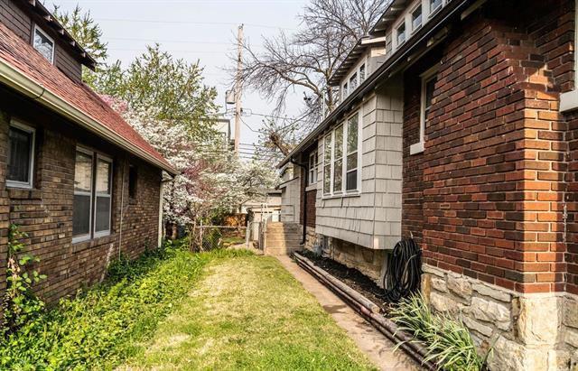 4428 Summit Street, Kansas City, MO 64111