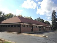 7805 Cooley Lake Road, West Bloomfield Township, MI 48324