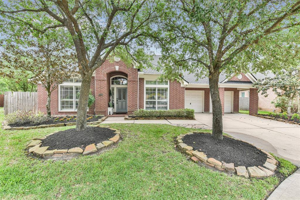 13142 Oakwood Manor Drive, Cypress, TX 77429
