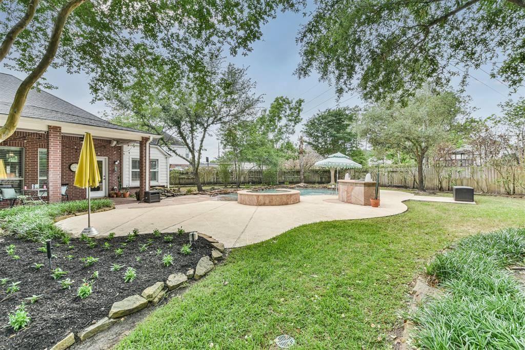 13142 Oakwood Manor Drive, Cypress, TX 77429