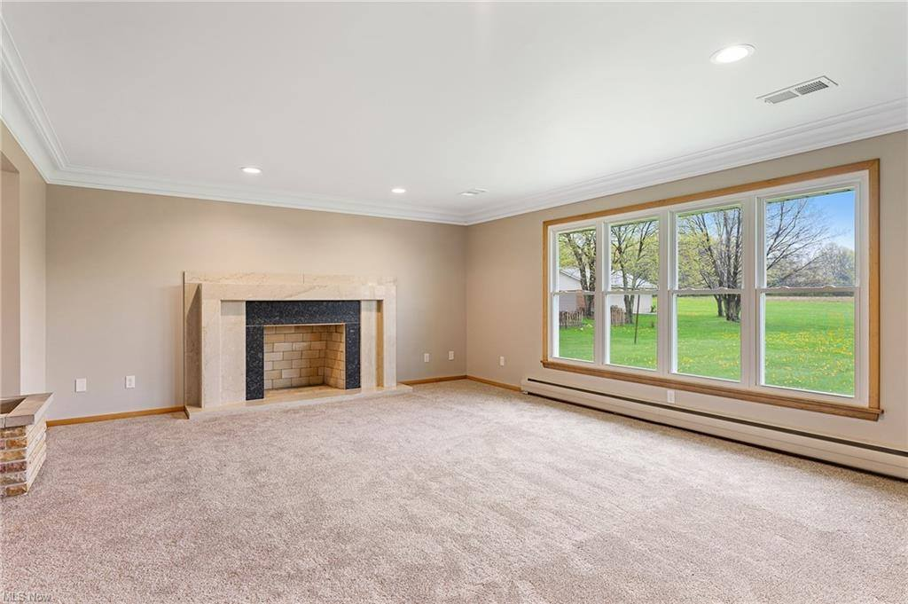 4977 Center Road, Lowellville, OH 44436