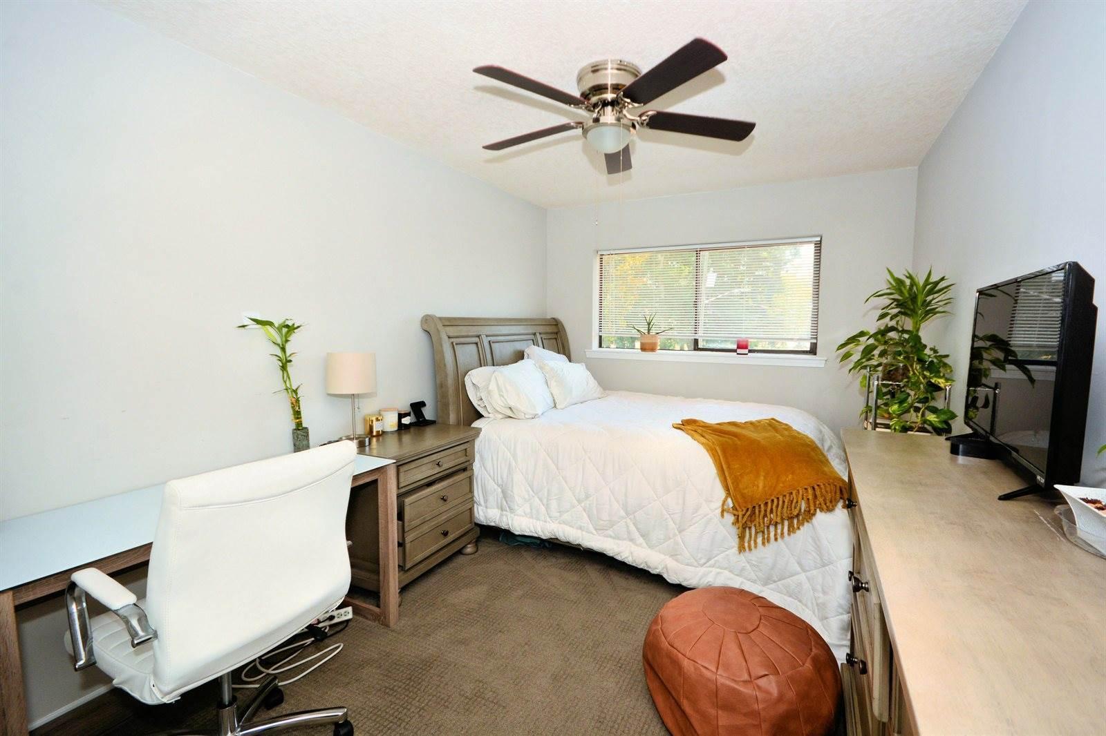 739 Egret Bluff Ln, Jacksonville, FL 32211