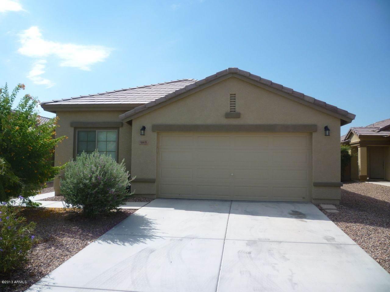 985 W Desert Hills Dr, San Tan Valley, AZ 85143