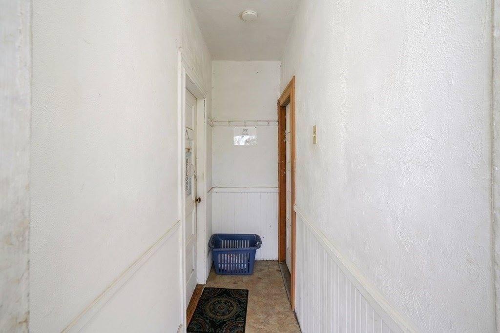 11 Neal St, Brockton, MA 02301