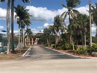 25000 Tamiami Trail, #D-152, Naples, FL 34114