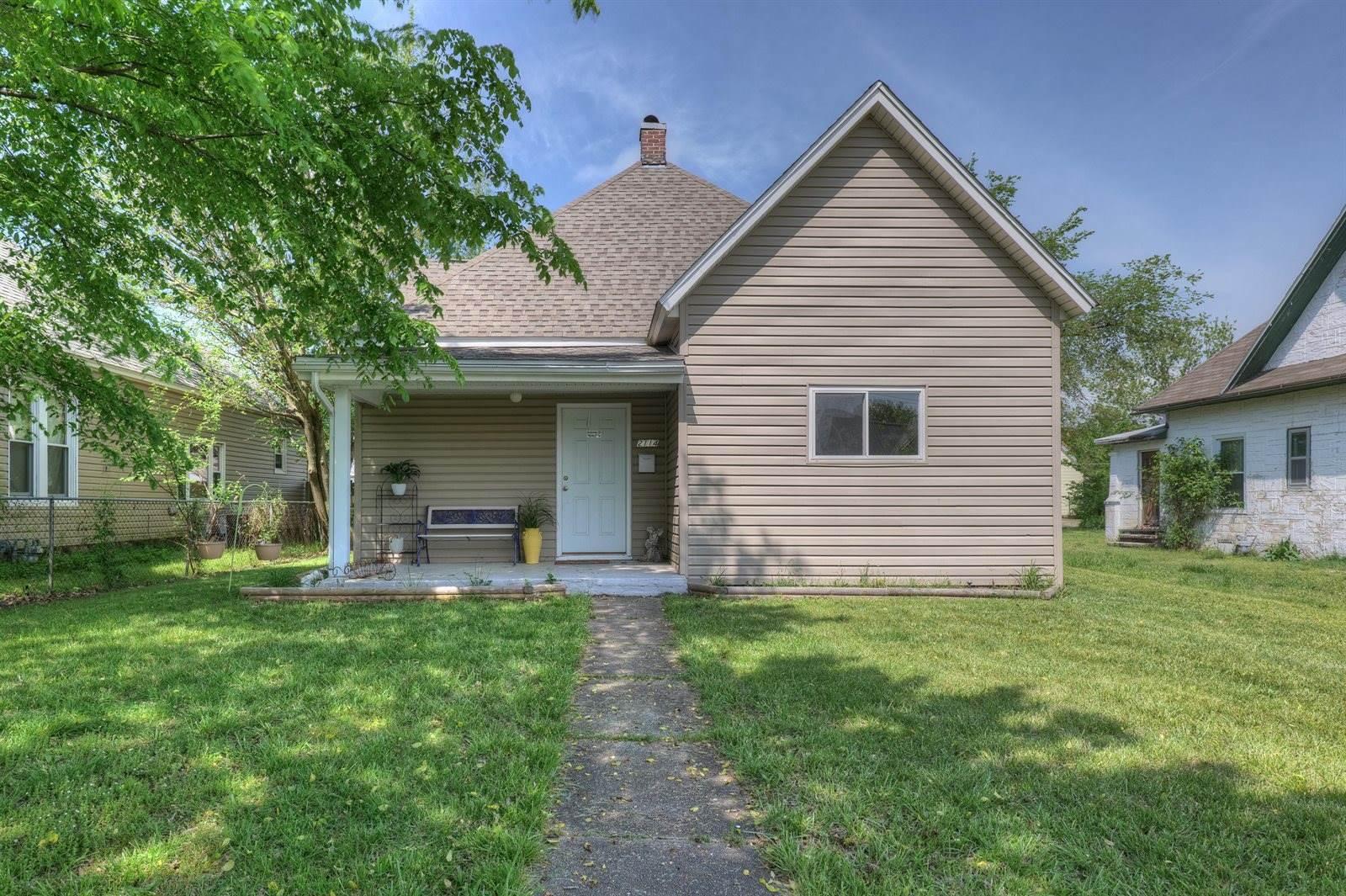 2114 South Byers Avenue, Joplin, MO 64804