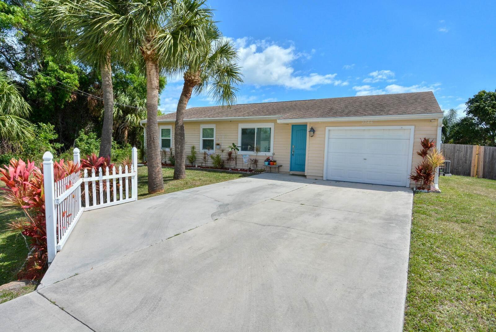 2244 SE Mandrake Circle, Port Saint Lucie, FL 34952