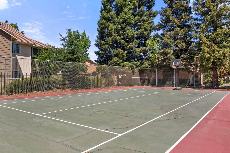 5024 Greenberry Drive, Sacramento, CA 95841