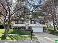 3315 S Hennepin St, Sioux City, IA 51106