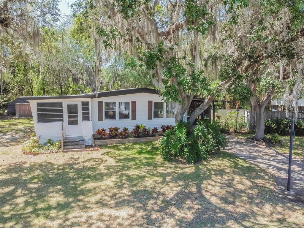 35325 Orange Grove Lane, Leesburg, FL 34788