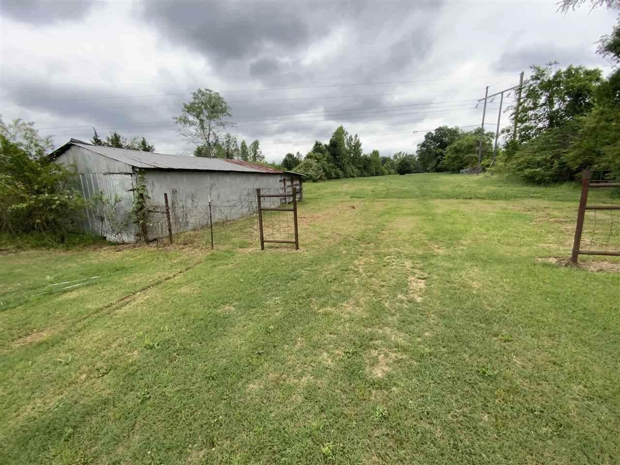 953 County Road 4114 E, Atlanta, TX 75551