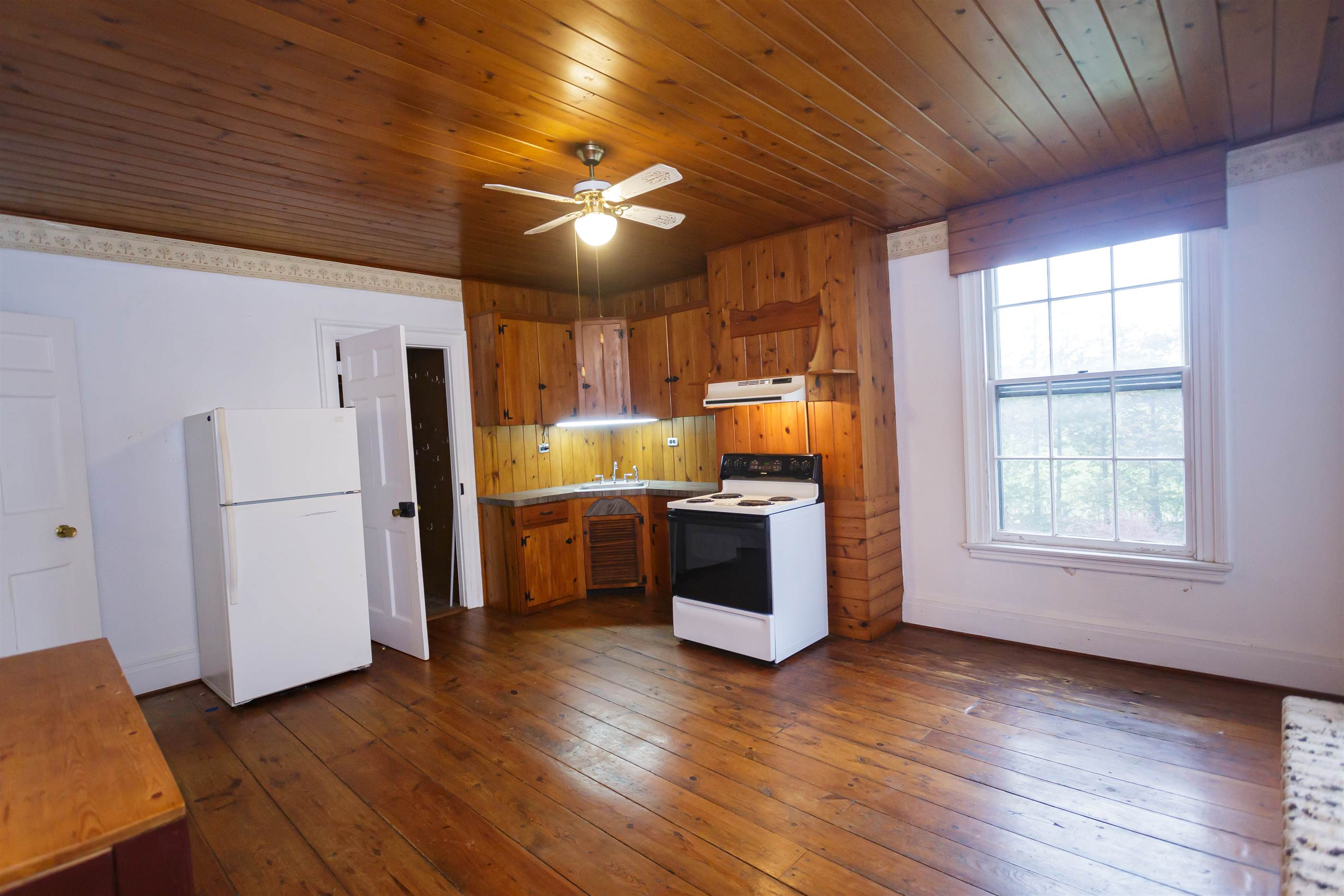 1825 Route 9, Clermont, NY 12526
