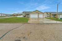 95 Haywood Drive, Lincoln, ND 58504