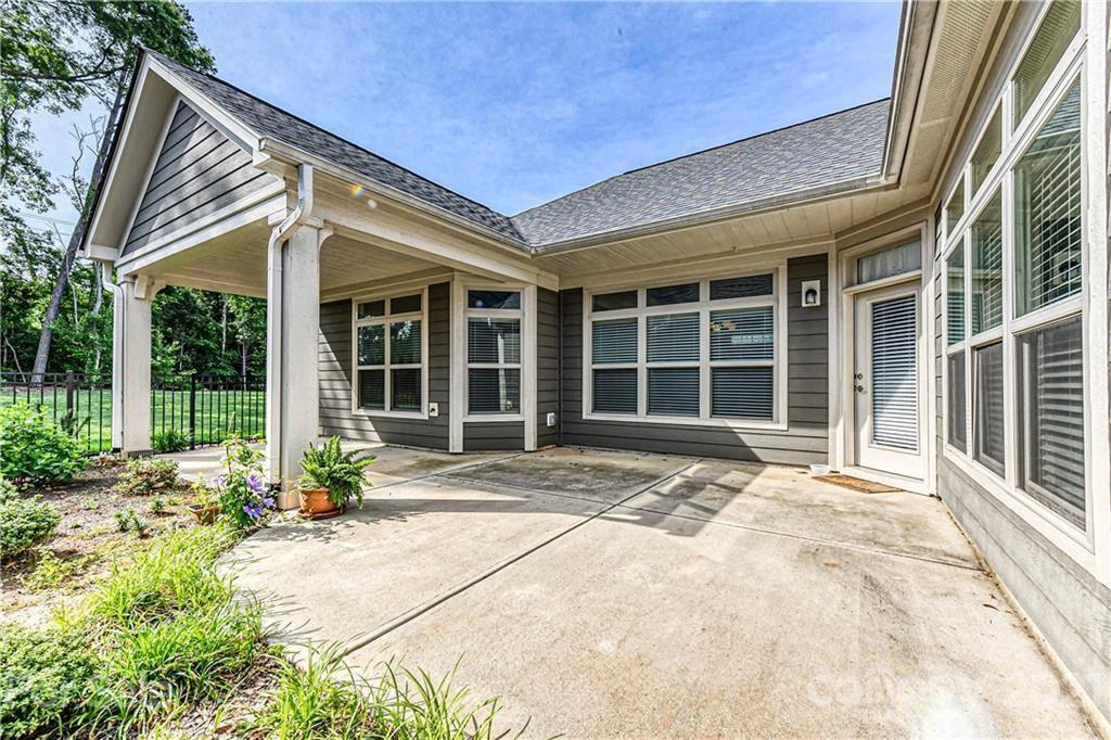 8109 Parknoll Drive, Huntersville, NC 28078