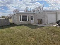 909A 21st Ave NW, Minot, ND 58703