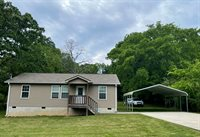 452 Red Bud Ave, Rossville, GA 30741