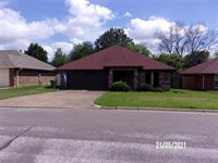 7428 Sean Drive, North Richland Hills, TX 76182