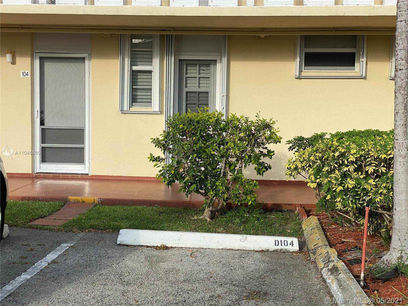 2980 Point East Dr, #D104, Aventura, FL 33160