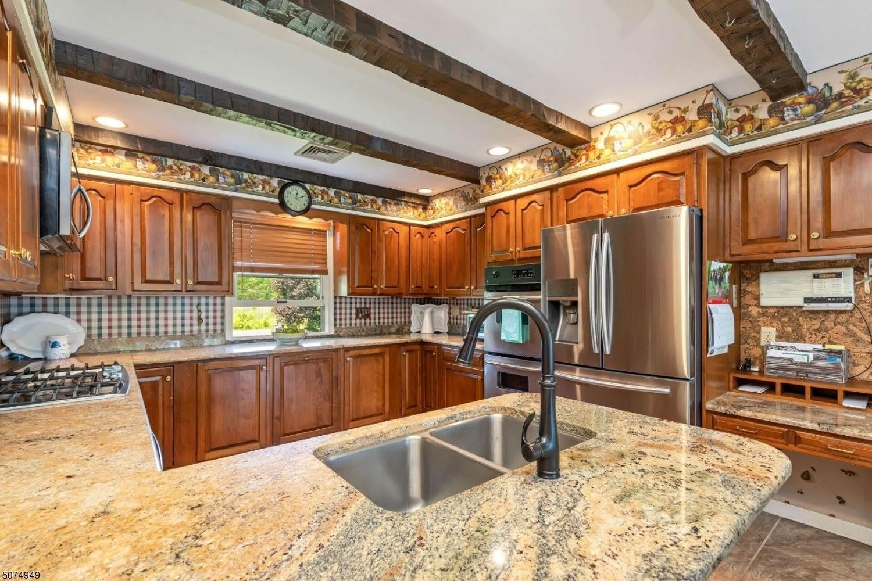 579 New Vernon Rd, Long Hill Township, NJ 07933