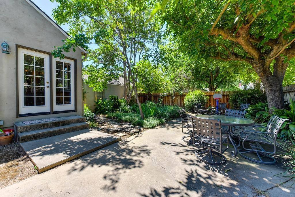 1910 49th Street, Sacramento, CA 95819