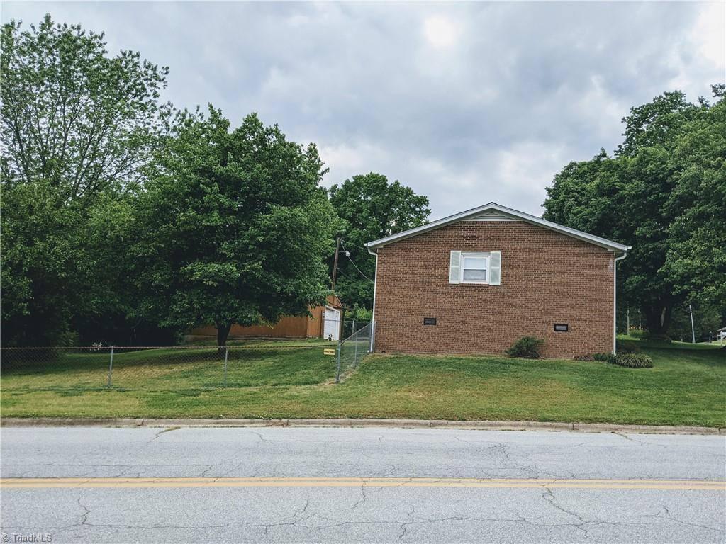 2001 Lynette Drive, Greensboro, NC 27403