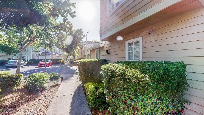 510 Laurel Grove Circle, Santa Rosa, CA 95407