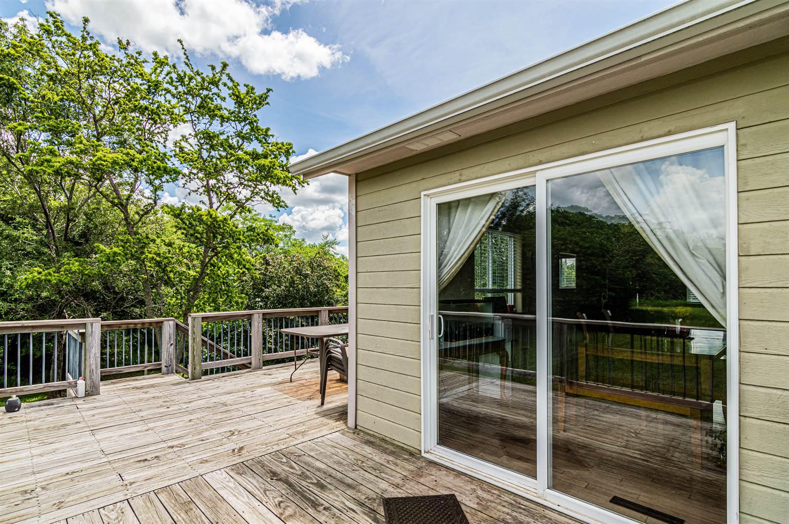 2704 Lakieview Terrace, Milford, KS 66514