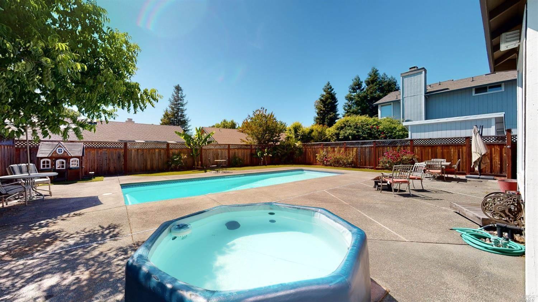 6409 Apollo Place, Windsor, CA 95492