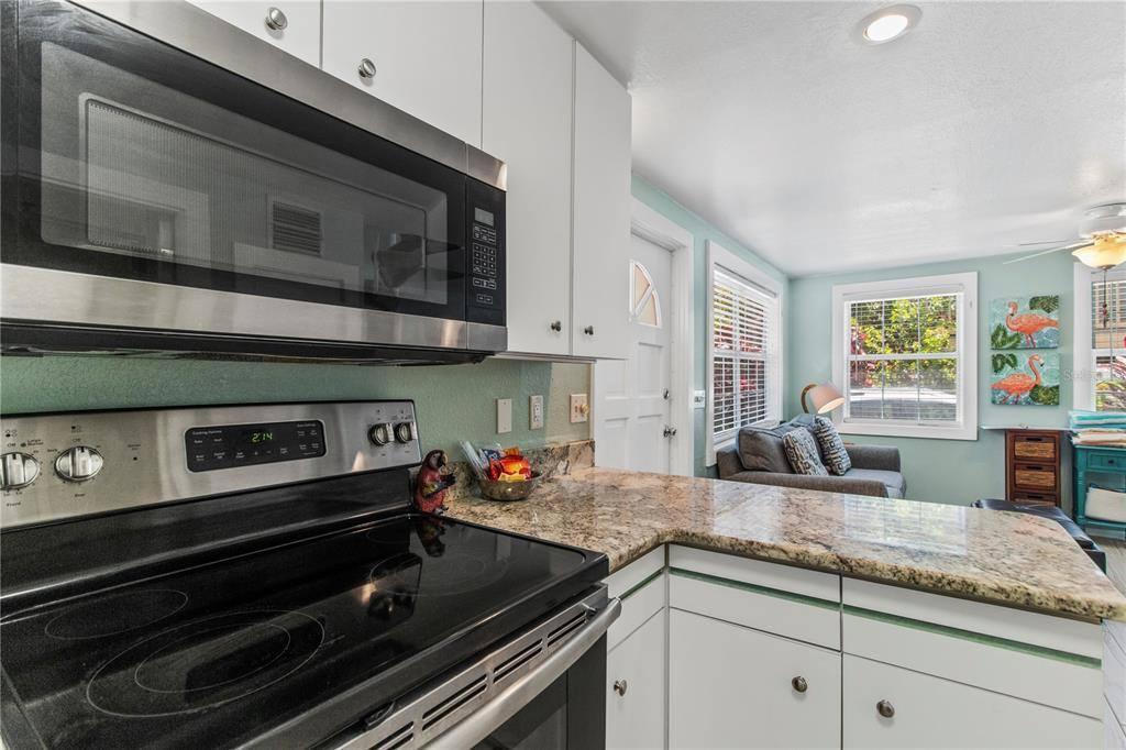 40 83RD Avenue, Treasure Island, FL 33706