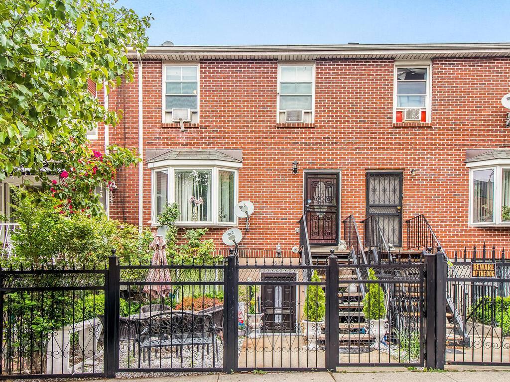 627 E.139th St, Bronx, NY 10454