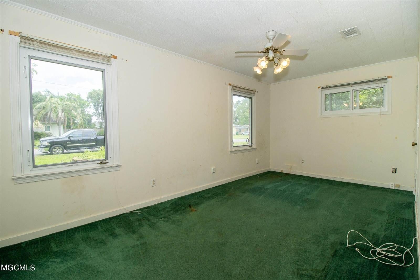 39 East Park St, Gulfport, MS 39507