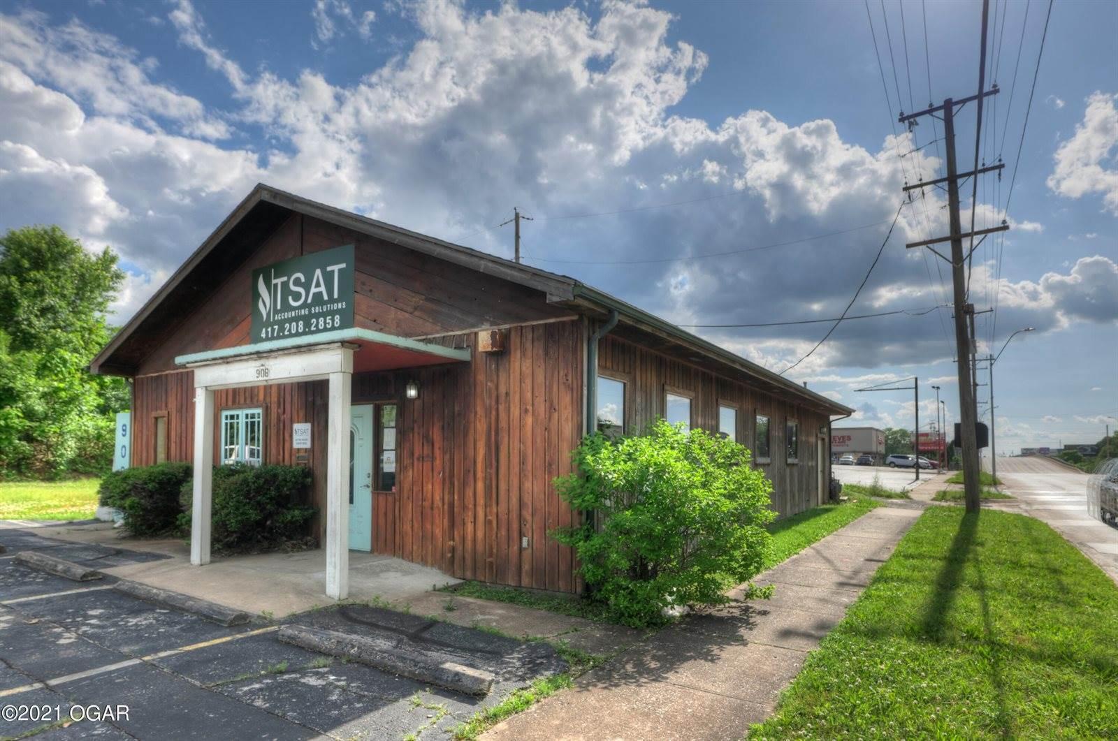 908 East 7th Street, Joplin, MO 64801