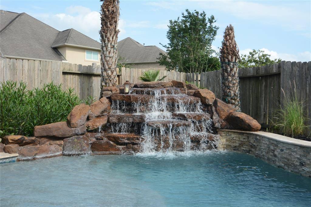 17606 Kathywood Drive, Tomball, TX 77377