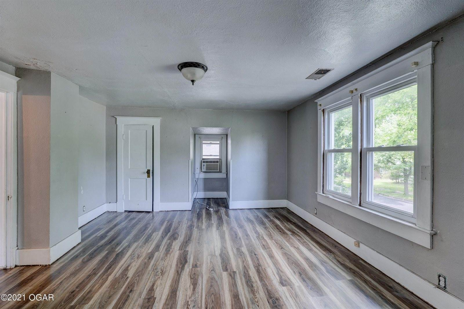 1814 South Empire Avenue, Joplin, MO 64804