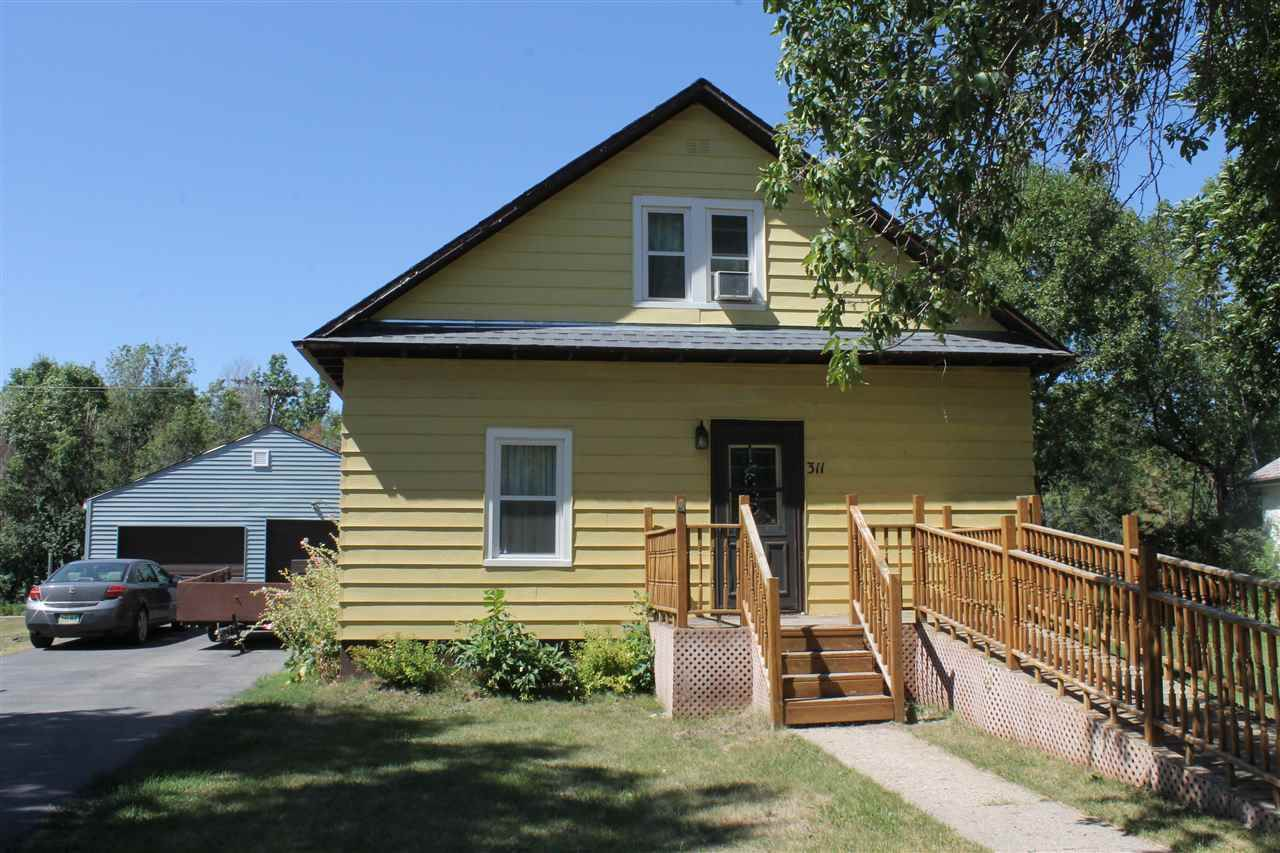 311 NW 1st St, Parshall, ND 58770