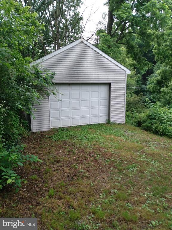 25 Candy Road, Mohnton, PA 19540