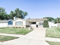1517 4th Ave East, Williston, ND 58801