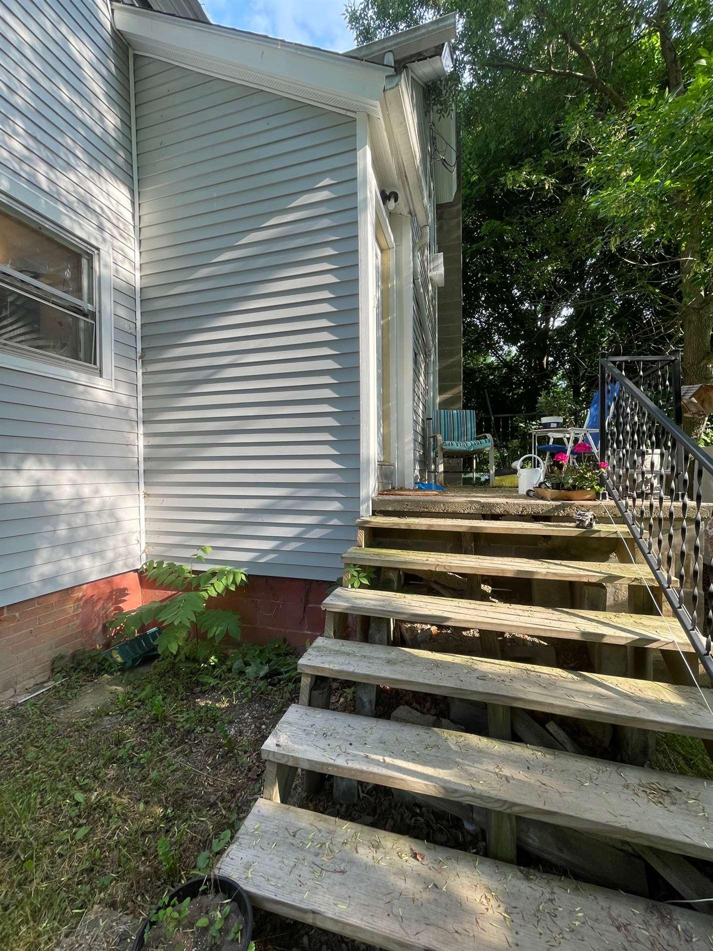 803 E State Street, St. Johns, MI 48879